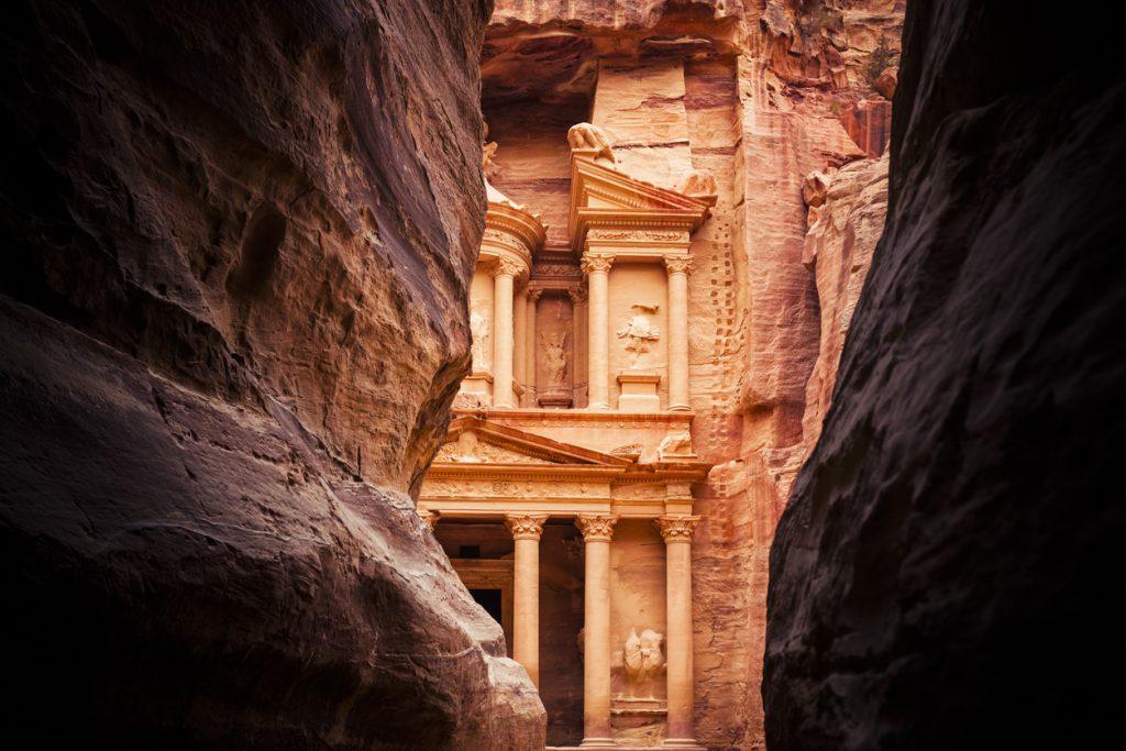Петра, один из самых великолепных древних городов мира.